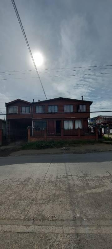 HERMOSA CASA EN QUELLON , CON GRAN OPORTUNIDAD DE INVERSIÓN.