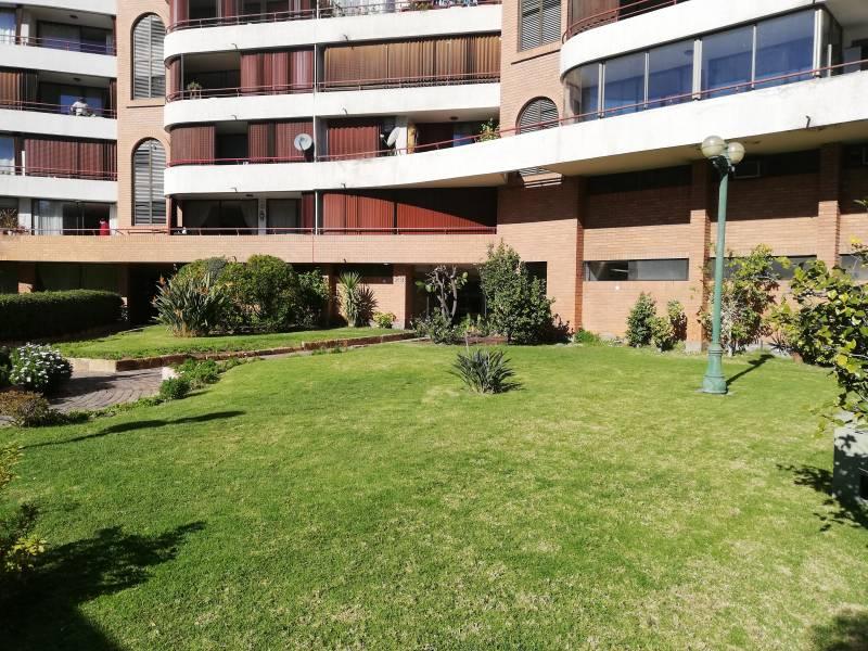 Cómodo y moderno departamento ubicado frente a Plaza Ñuñoa
