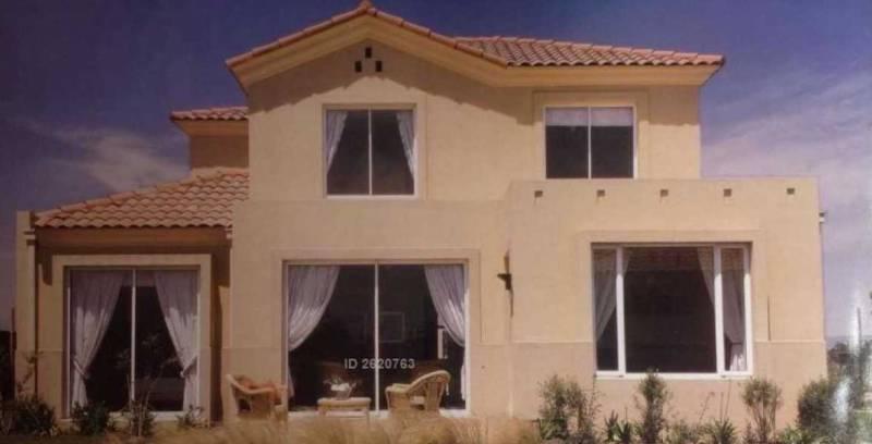 Estupenda casa en excelente estado opción comercial