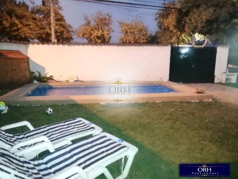 Hermosa casa con piscina en la comuna de La Florida