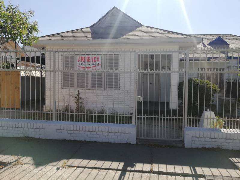 Excelente Casa a Pasos Plaza Maipú