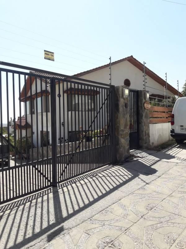 VENDE MARAVILLOSA CASA,en Lomas de Lo Aguirre, Pudahuel
