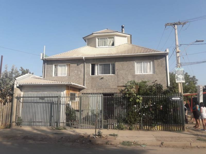 VENDE casa esquina con Local Comercial, Padre Hurtado