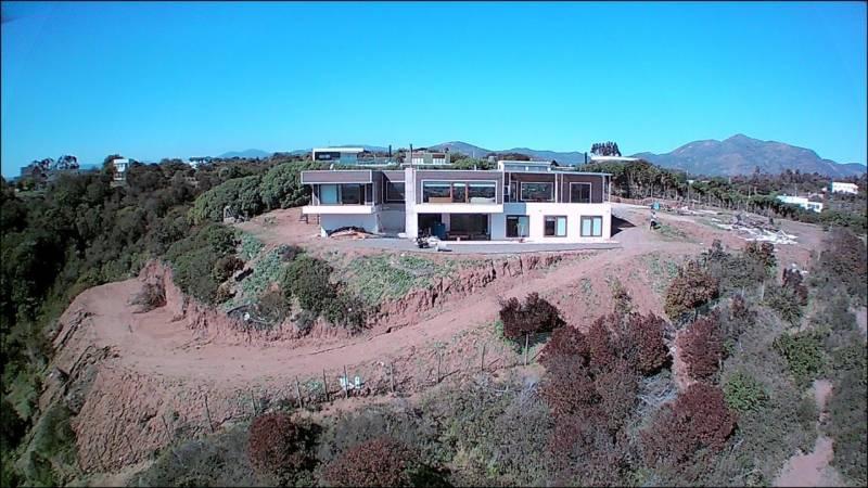 Gran casa estilo moderno ubicado en Condominio de Mantagua