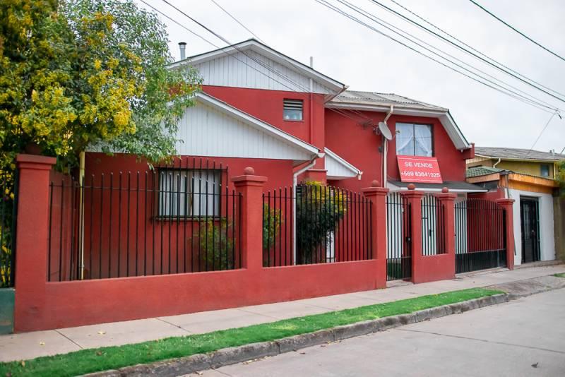 HERMOSA PROPIEDAD EN BARRIO LOS BOSQUINOS DE MAIPU