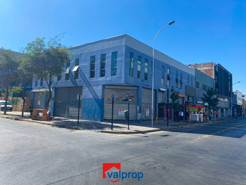 AMPLIO LOCAL COMERCIAL EN BARRIO MEIGGS
