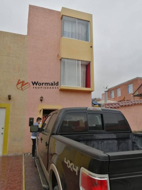 GRAN CASA DENTRO DE CONDOMINIO