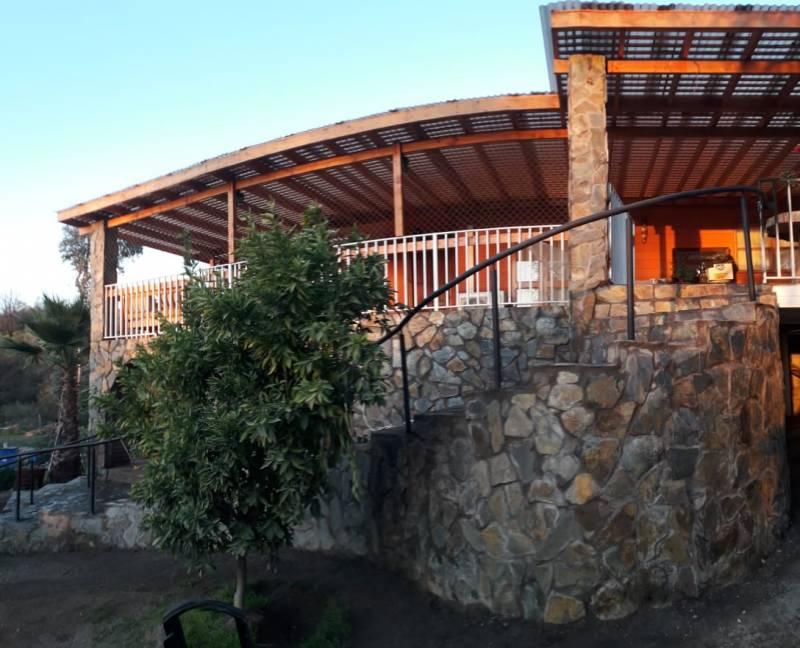 Amplia casa más cabaña en Huelquén -Paine