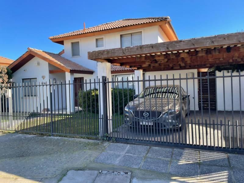 Hermosa casa a la venta en Polo de Machalí