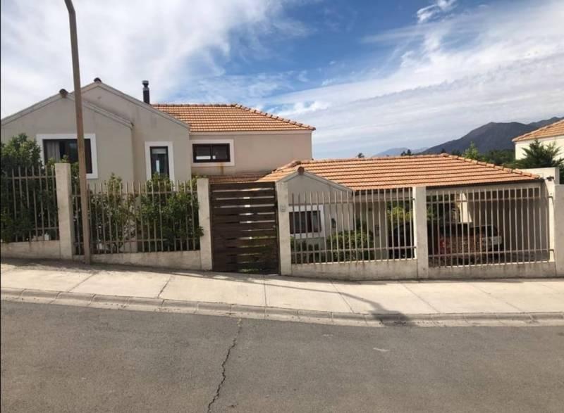 Hermosa casa en Nogales, Machalí