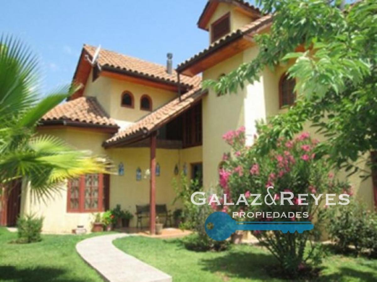 Hermosa y amplia casa 5D+3B sector gran plusvalía.  Machalí
