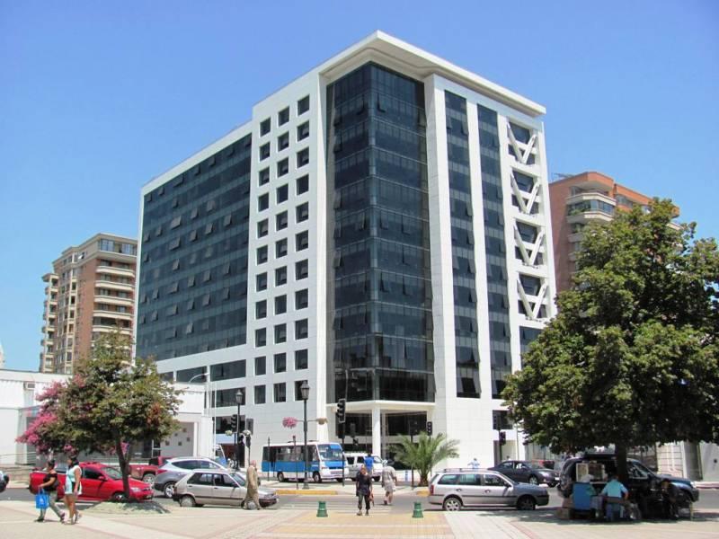 HERMOSA OFICINA EN EDIFICIO PLAZA TALCA.