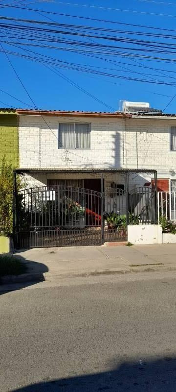 Vendo bonita casa en Villa Alemana.