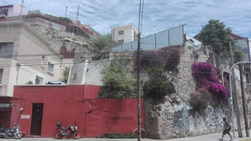 VENDE TERRENO EN CENTRO DE VALPARAÍSO