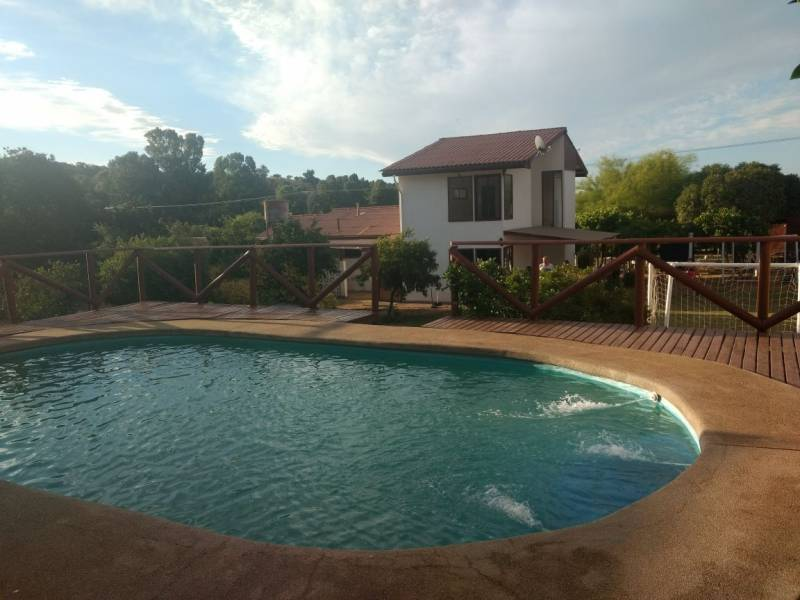 Se vende parcela en limache con gran terreno y piscinas for Se vende piscina desmontable