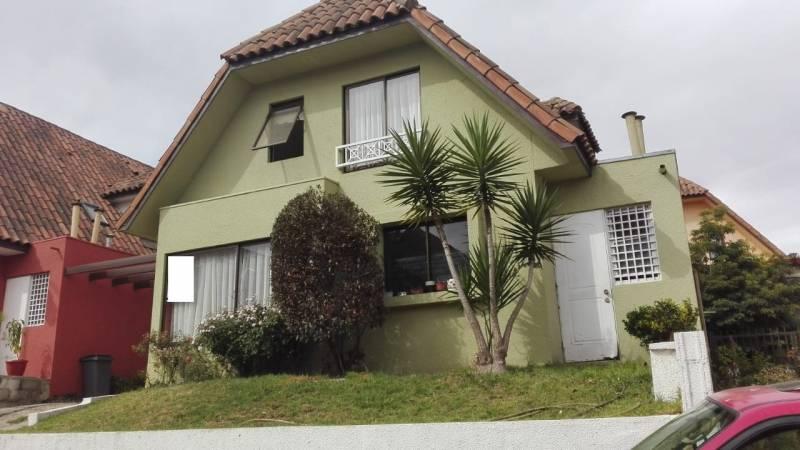 Se Vende casa en Jardines de Paso Hondo, Condominio.