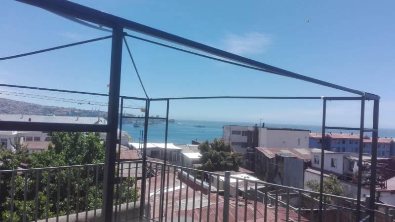 Arriendo casa por días en Cerro Barón, Valparaíso.