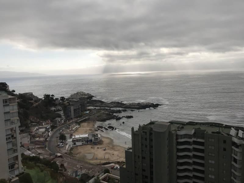 DEPARTAMENTO CON HERMOSA VISTA AL MAR EN EL SECTOR DE COCHOA