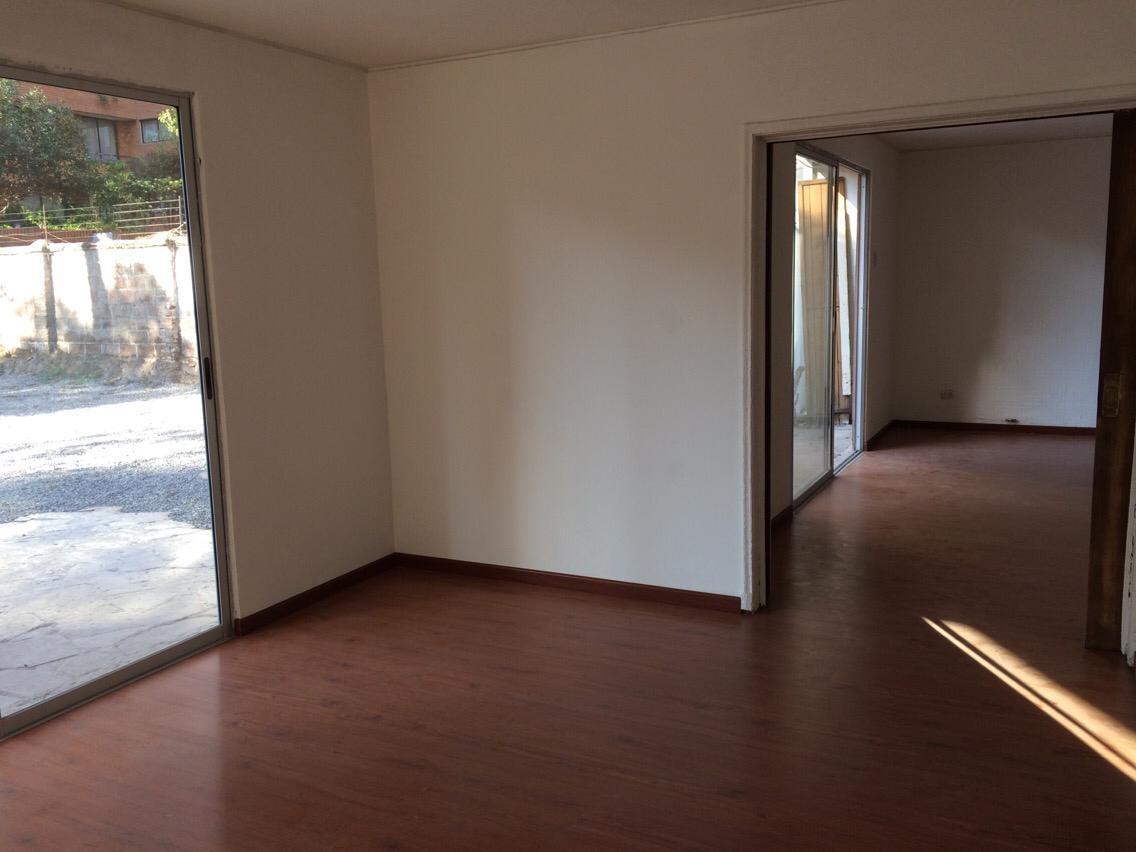Casa ideal oficina y / o distribución, Gran estacionamiento