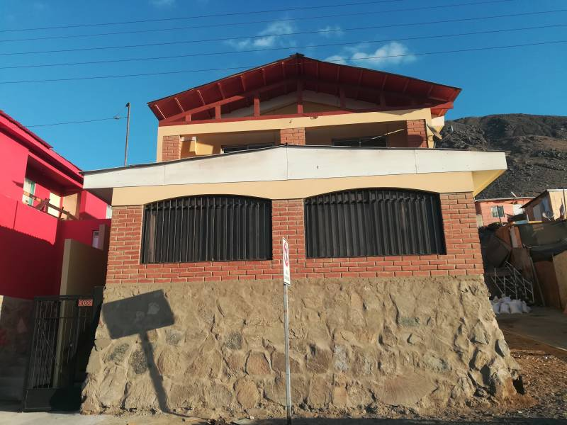 CASA PARA OFICINAS EN SECTOR SUR (PUERTO COLOSO)