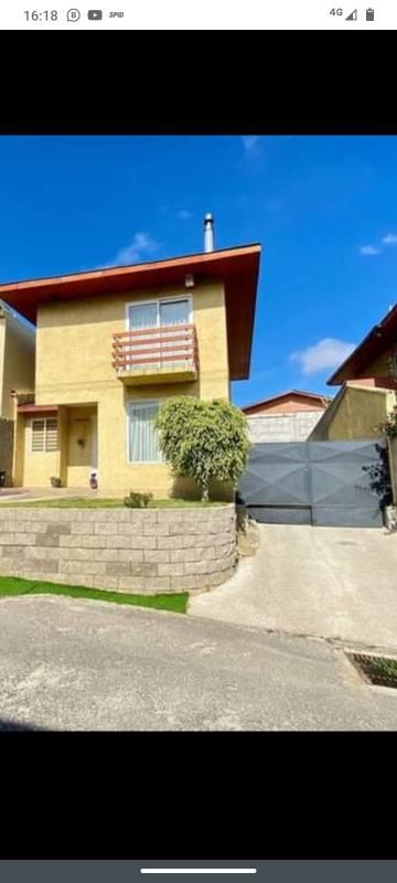 Hermosa Casa en Venta, Condominio Acogedor