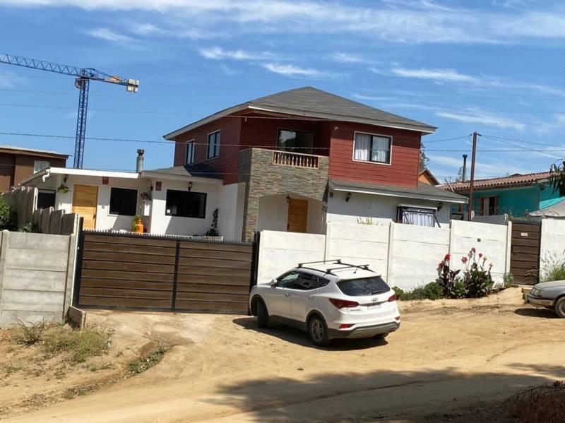 Hermosa Casa Teniente Serrano Quilpué $250.000.000.-
