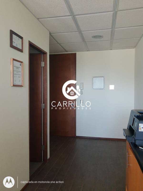 ARRENDAMOS OFICINA EN EDIFICIO CAPITAL
