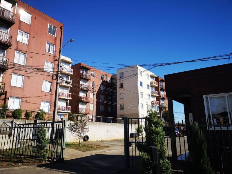 ARRIENDA DEPTO 3D 1B S. FUNDO EL CARMEN, COND. LOS COIHUES1