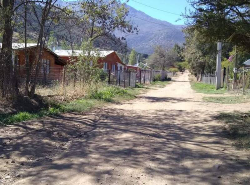HERMOSO TERRENO CON CASA EN LA PUNTA.
