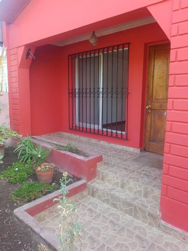 HERMOSA CASA BARRIO RESIDENCIAL CERCANA MALL FLORIDA CENTER