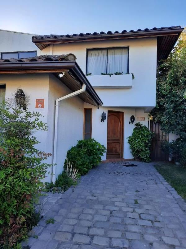 cómoda y amplia casa, sector residencial , Talca