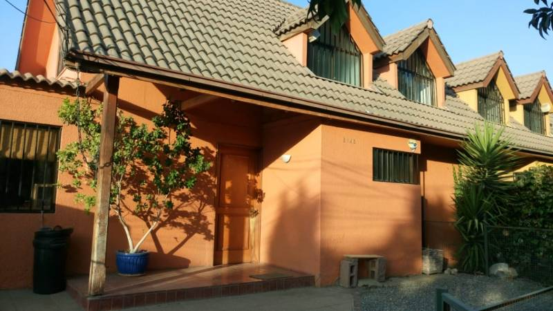 Linda casa en Peñalolen de 5 dorm,3 baños,135m2 y 223 total