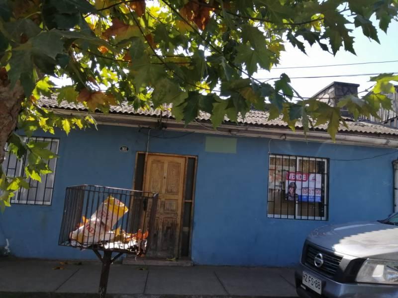 EXCELENTE CASA UBICADA A PASOS DE LA PLAZA DE TENO