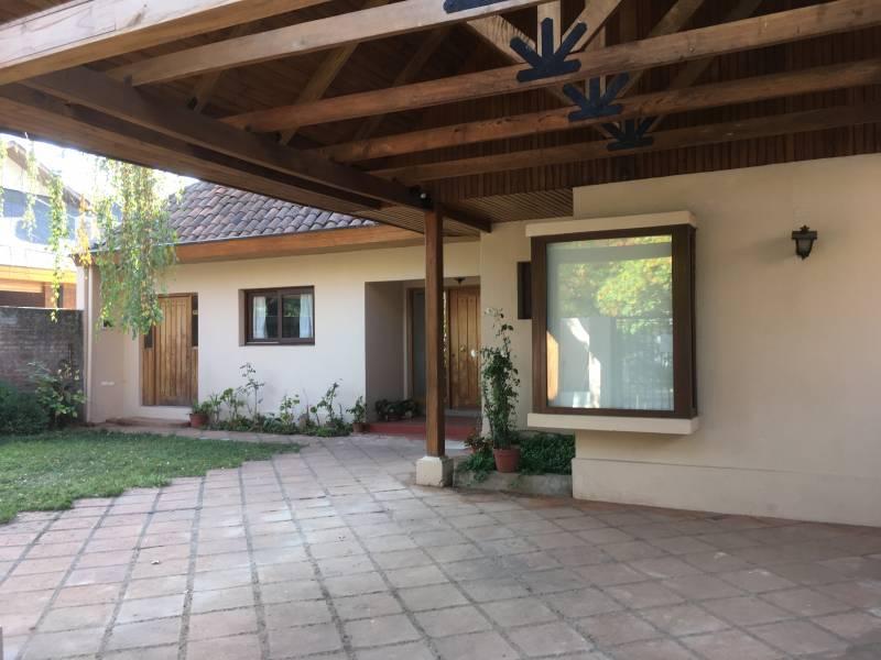 Linda casa en exclusivo sector residencial de Curicó