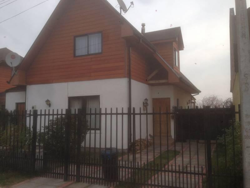 Linda casa de 2 pisos en Don Ambrosio de Zapallar