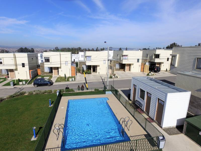 (25 V) Villa Alemana. Casa Estilo Mediterráneo