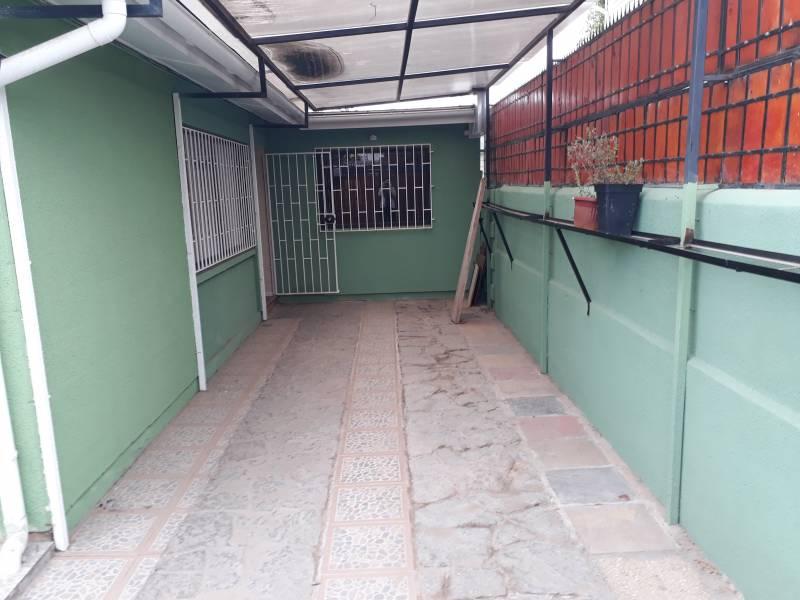 (158 A) QUILPUE, ESMERALDA, CASA.