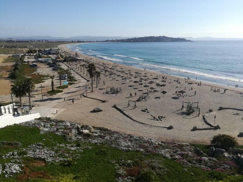 Depto 4 dormitorios primera línea frente a playa