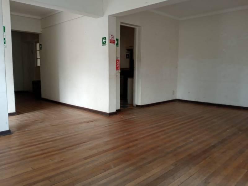 CENTRO RANCAGUA OFICINA CON 3 ESTACIONAMIENTOS CASA ARRIENDO