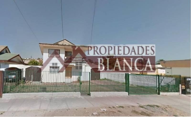 CASA INDEPENDIENTE CERCA A CLINICA LOS CARRERA QUILPUE.