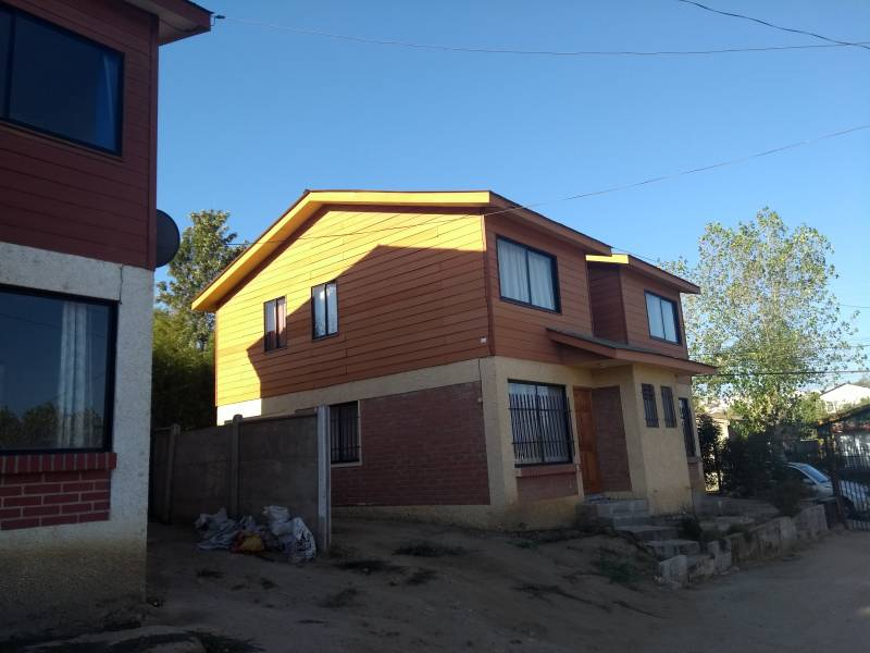 CASA PAREO SIMPLE EN CONDOMINIO SECTOR BELLOTO NORTE