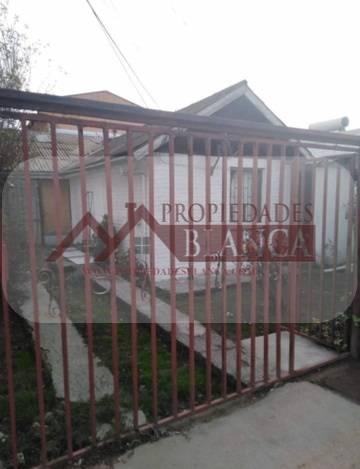 CASA PAREO SIMPLE UN PISO MUY BIEN UBICADA EN BELLOTO.