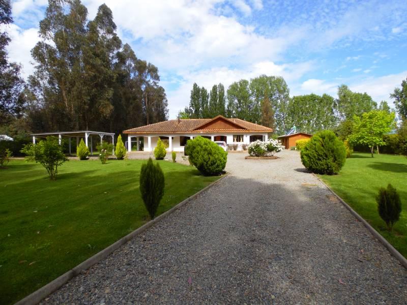 Hermosa casa en Parcela de 5000 m2 a minutos de la ciudad