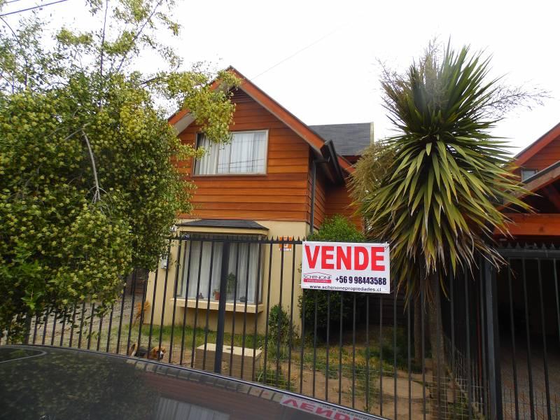 Atractiva propiedad en villa Los Portones