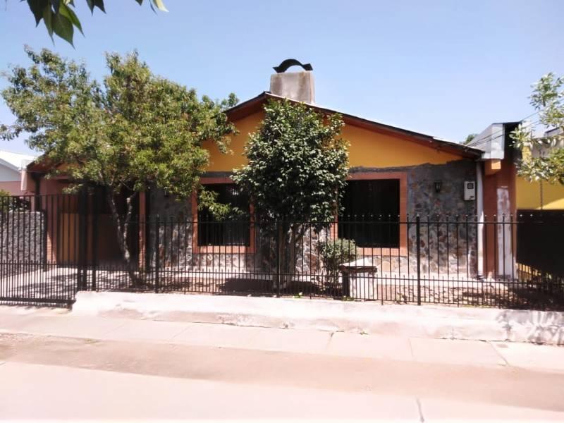 Amplia propiedad en villa Diego Portales, pasaje Barón.