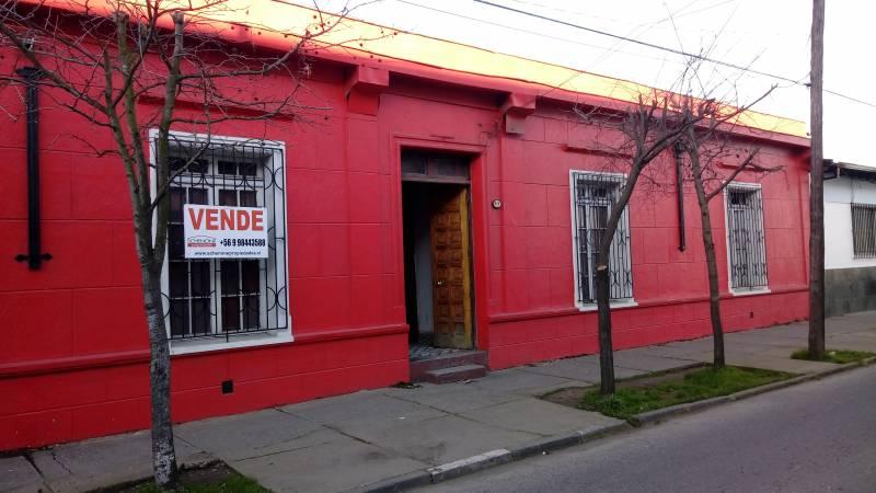 Centrica propiedad de 1.300 m2 de terreno con casa; Linares.
