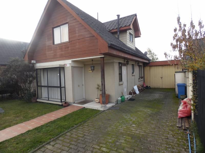 Atractiva, comoda  y amplia casa en puerta norte