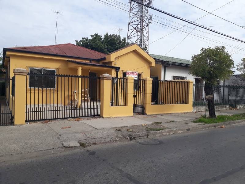 Atractiva y amplia casa para oficina en el centro de Linares