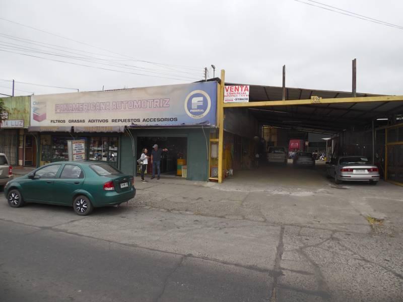 DOS AMPLIAS PROPIEDADES CON LOCALES COMERCIALES EN AV BRASIL