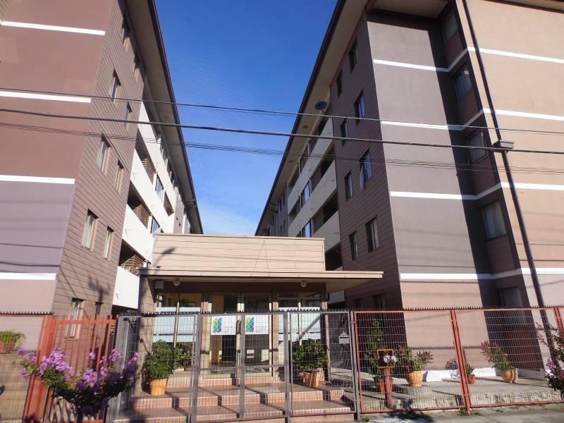 Departamento central de tres dormitorios; Linares.